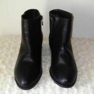 Shoes - NWT Black Ankle Booties